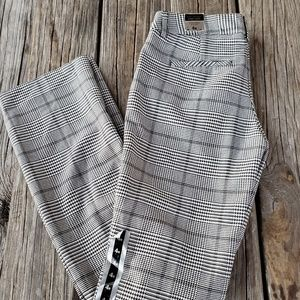 NWT Express Columnist  hip thigh pants 4 R